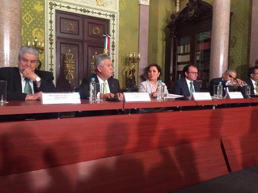 infonavit no es banco, tampoco gobierno, asi que no rinde cuentas y afecta a todos los mexicanos